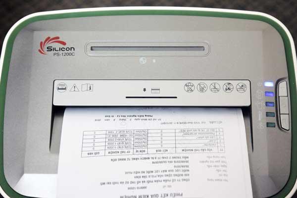 Máy hủy tài liệu Silicon PS-1200C
